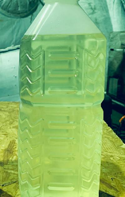 11-処理水の色は薄い黄色となり、多少の濁りはあるが透明度も高い